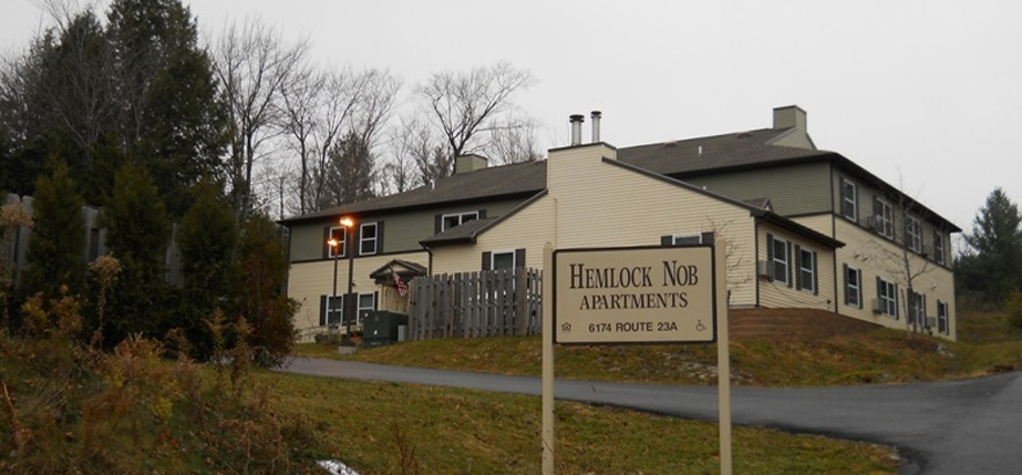 An image of the convenient Hemlock Nob Apartments